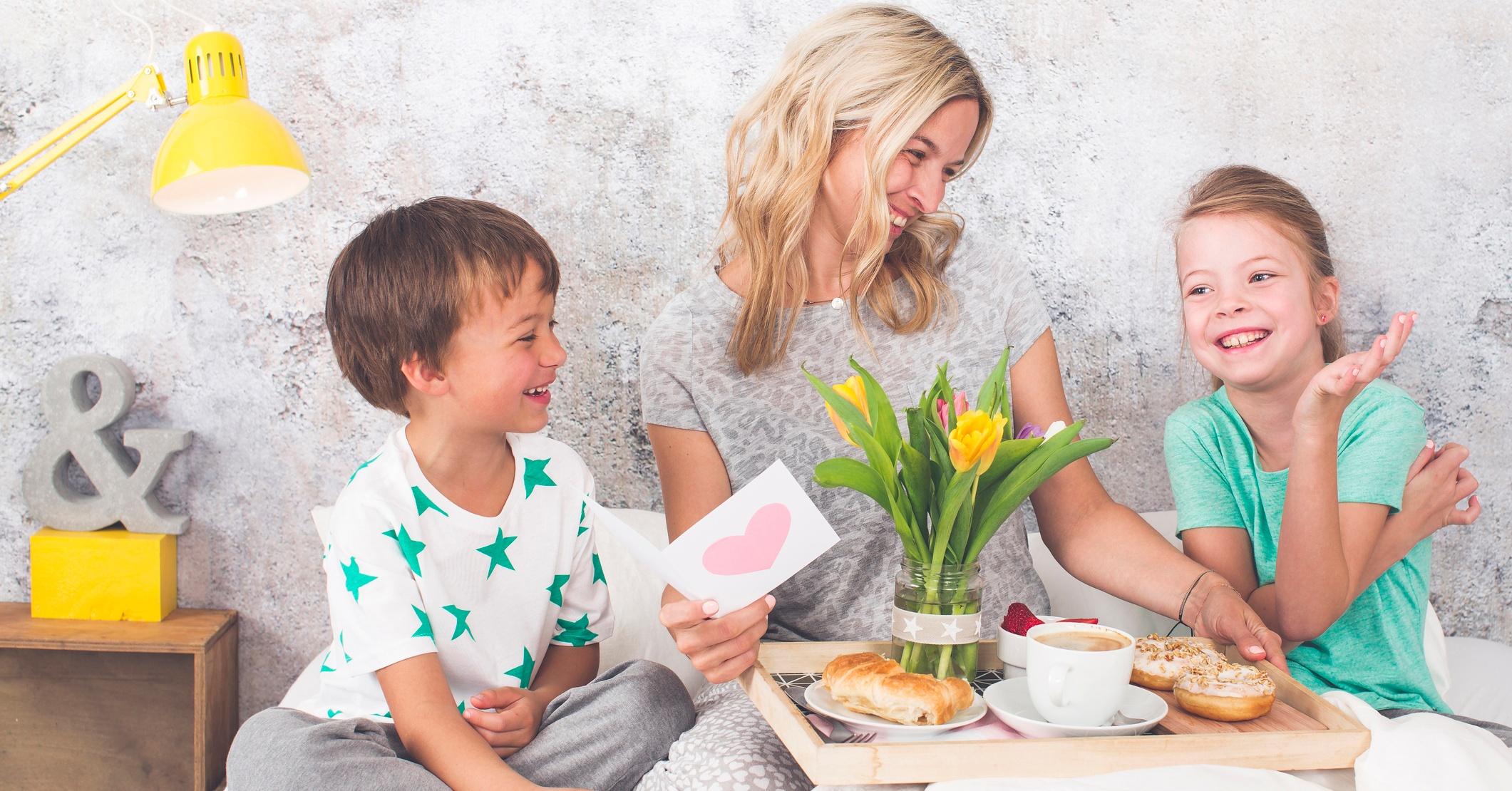 äitienpäivänä muistetaan äitiä itsetehdyillä lahjoilla!
