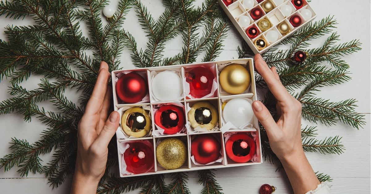 Joulun jälkeinen siivous - Miten säilyttää koristeet ja lahjapaperit ensi vuoteen
