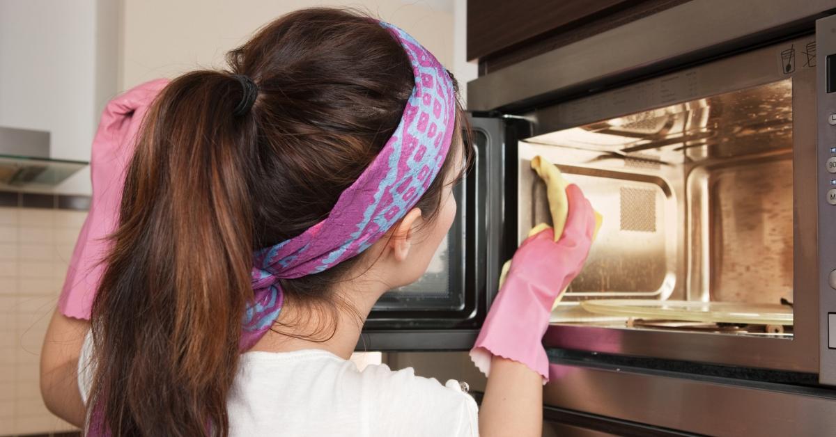 5 vinkkiä mikroaaltouunin puhdistamiseen